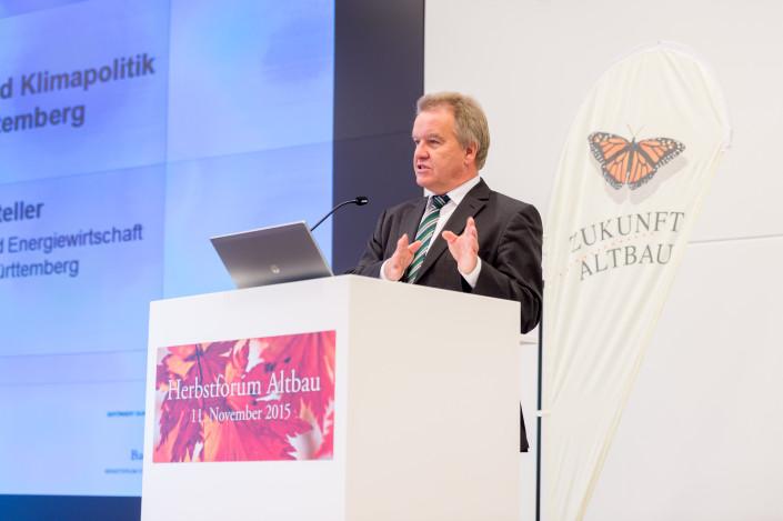 Zukunft Altbau - Umweltminister Franz Untersteller, als Auftaktredner